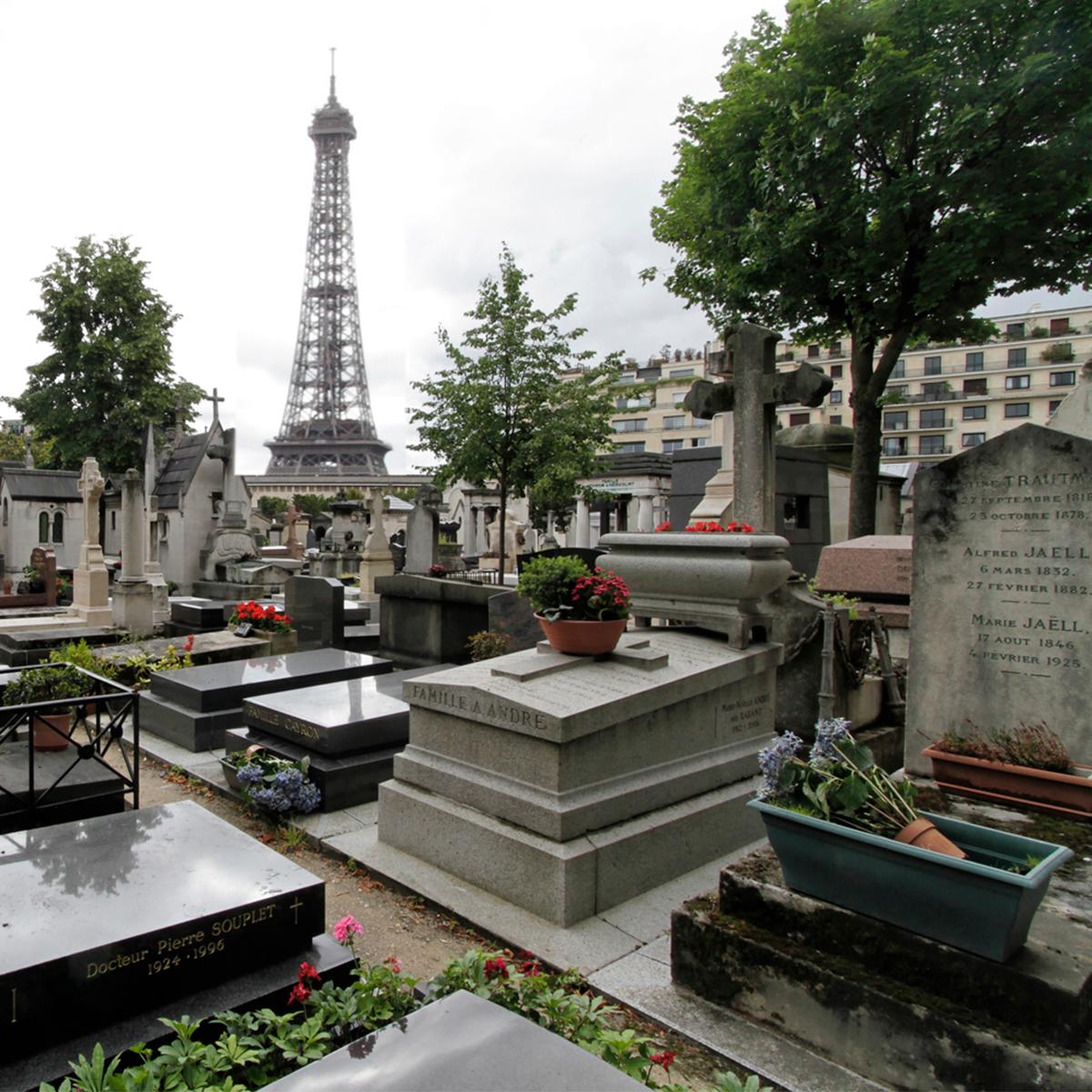 Vakantie in Parijs begraafplaats Rebel Uitvaart